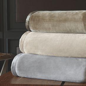 Cobertor-King-Trussardi-100--Microfibra-Aveludado-Piemontesi-Fendi
