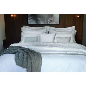 Colcha-King-Trussardi-2-Porta-Travesseiros-300-Fios-Cetim-Neoclassico-Branca-Branco